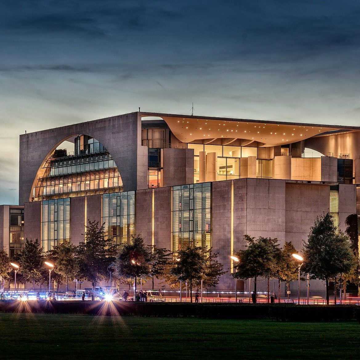federal-chancellery-637999_1920